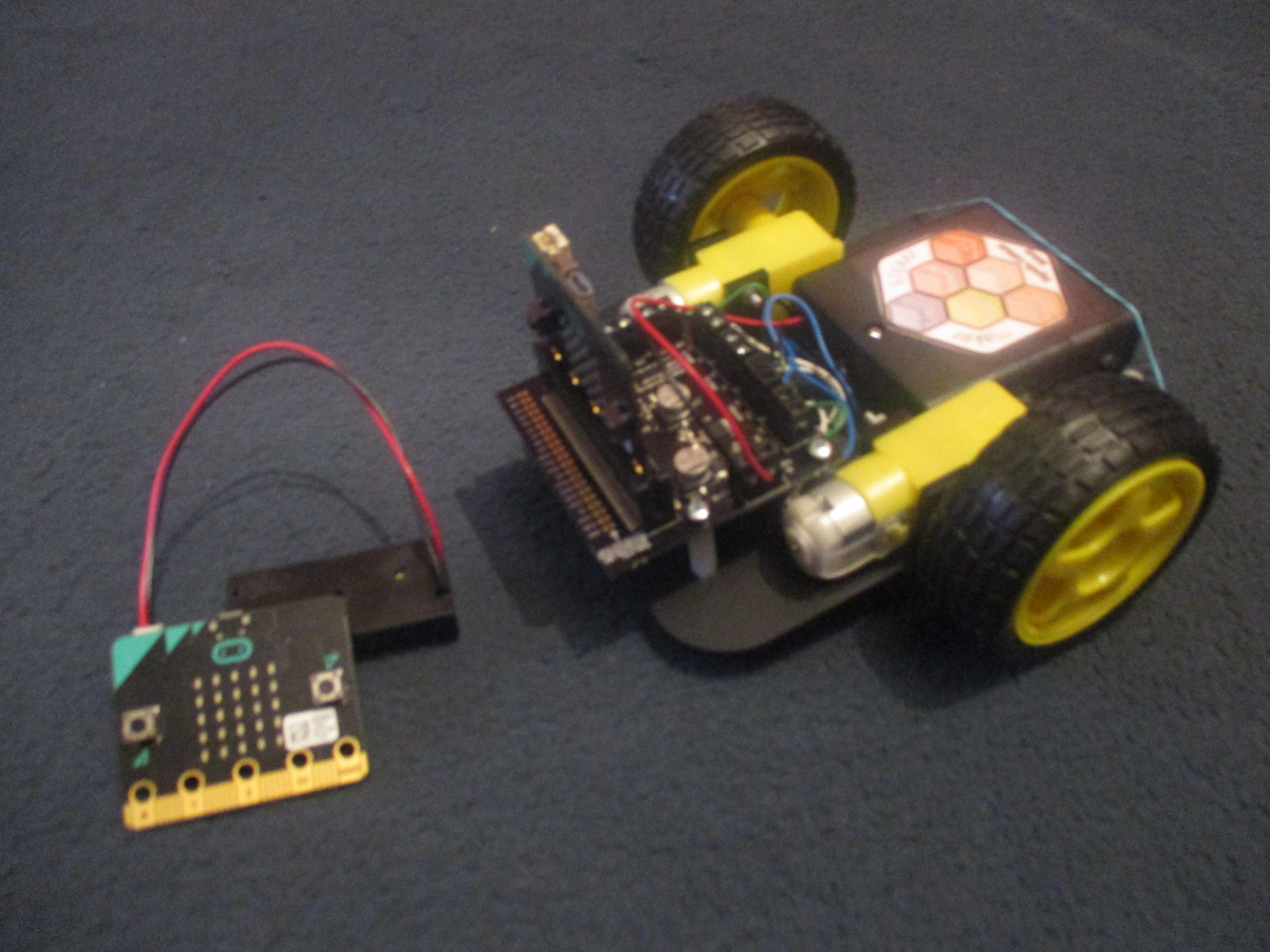 Távirányítós autó micro:bitekből